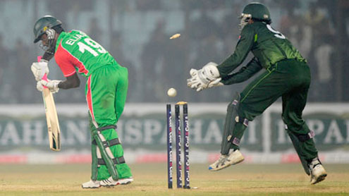 Pakistan beat Bangladesh, sweep series 3-0