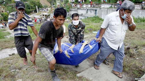 Philippines floods: Mindanao struggles with aftermath