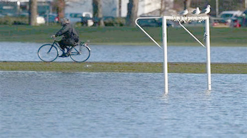 Flooding is biggest climate risk to UK
