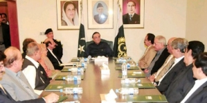 Ruling out clash: Zardari warns against anti-govt scheming