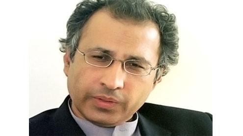 Economic indicators seem to be on right track: Hafeez