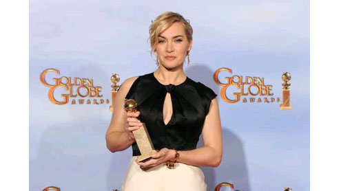 Kate Winslet with her Golden Globe award