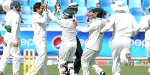 Pakistan spin bamboozles England for 192
