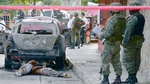 13 killed, 8 at funeral, in violent Mexico state