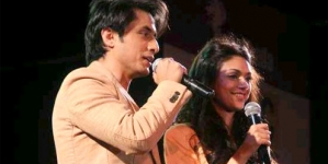 Ali Zafar, Aditi Rao enthrall youngsters in Pune