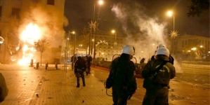Amid clashes, Greek Parliament approves austerity measures