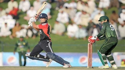 Cook's recipe helps England expose Pakistan