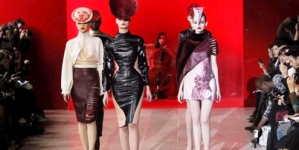 Designer merry-go-round rings in Paris Fashion Week