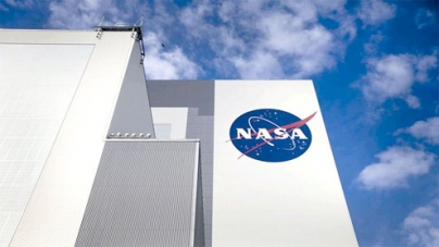 Kennedy Space Center at 50: A spaceport in transition