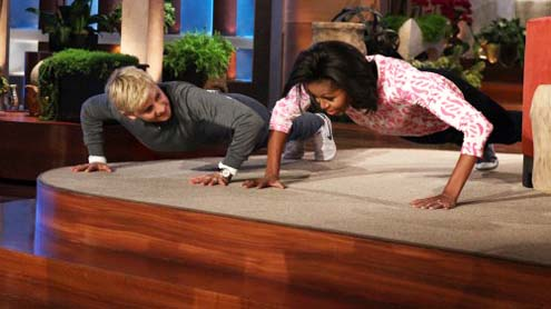 Michelle Obama wins push-up challenge