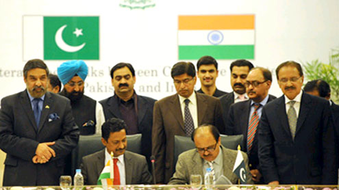 Pakistan  India sign trade agreements