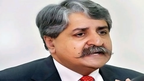 Water and Power Minister Naveed Qamar