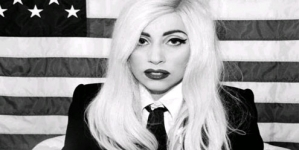 Lady Gaga breaks 20 million Twitter followers, praises the Boss