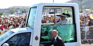 Pope Benedict criticises US trade embargo on Cuba