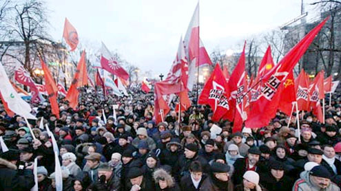 Russians fear crackdown as hundreds are arrested after anti-Putin protest