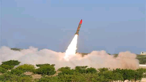 Pakistan test fires N-capable missile