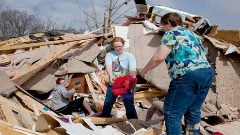 12 killed as violent storms ravage Midwest, South