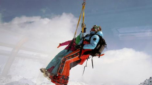 75 passengers rescued from stalled cable car in Switzerland mountain resort town
