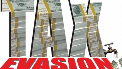 Chartered accountants helping businessmen in tax evasion