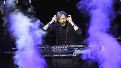 DJs battle with dance music dominance in U.S. pop music