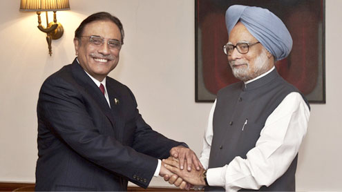 Manmohan Singh talks terror, Asif Ali Zardari harps on K-word