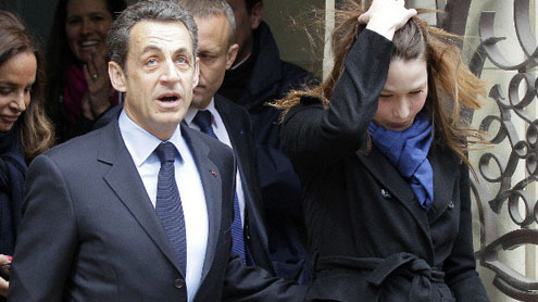 Hollande-Sarkozy: French presidential election headed to runoff