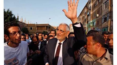 Mubarak's PM back in Egypt election race