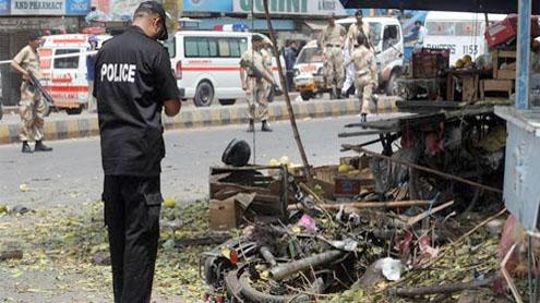 Suicide bomber kills three in Karachi