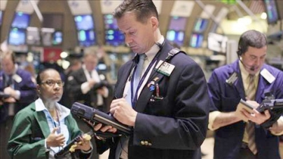 US stocks mired in red on Europe fears