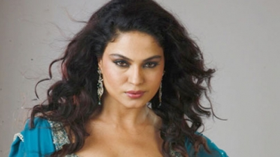 Veena to play a fashion supermodel in new Bollywood movie