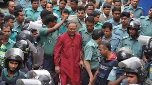 Bangladesh widens opposition crackdown