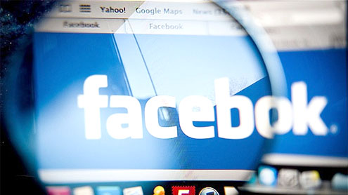 Facebook sets share price in $104bn flotation