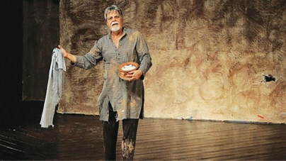 Us Gali Na Jawin – one-man show enthralls audience