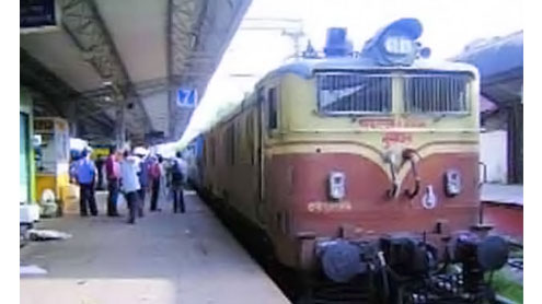 Hampi Express collides with goods train; 15 dead, 70 injured
