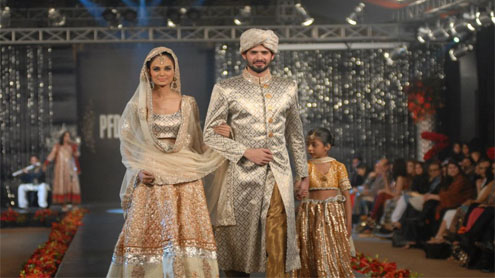 Nida Azwer's dress collections go on display