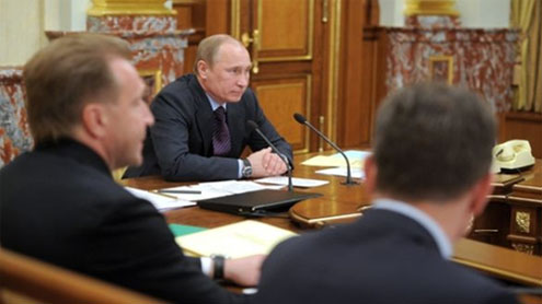 Putin Completes His Education at Last Cabinet Meeting