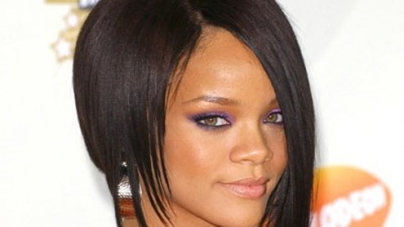 Rihanna booted off Vogue's A-list