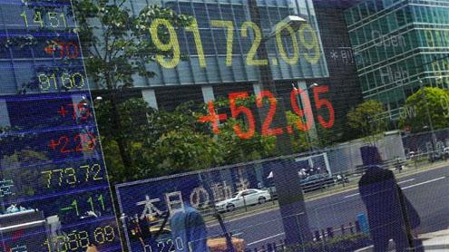 Euro, stocks, oil slump on Greek uncertainty