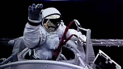 China's astronaut trio returns to Earth