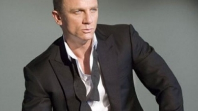 Daniel Craig to open London Games with daredevil leap from helicopter