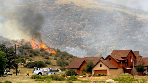 Hundreds evacuated as Colo., NM fires spread