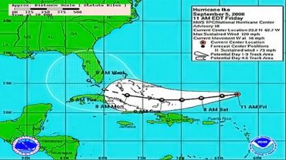 Packing 105 mph winds, Hurricane Carlotta bears down on Mexico coast