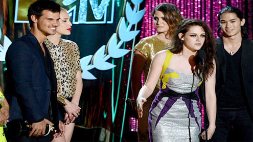 """Hunger Games"" scoops up four MTV movie awards"