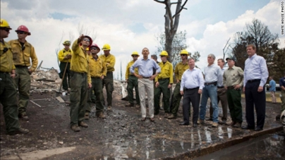 Obama tours site of deadly fire in Colorado