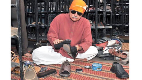 DAG issued notice for polishing shoes in India