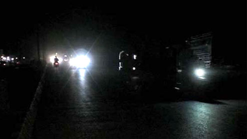 Indian power failure puts 370M in dark for hours