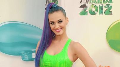 Katy Perry 'exercises hard'