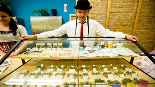 "U.S. cracks down on ""world's largest"" medical marijuana dispensary"