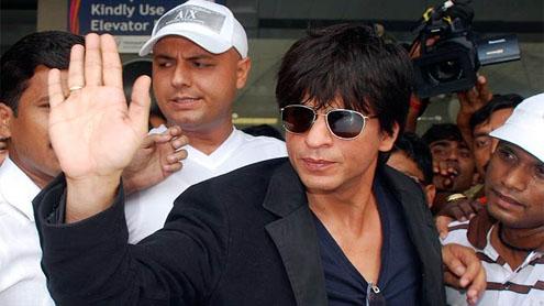 SRK dances to Farah's tunes