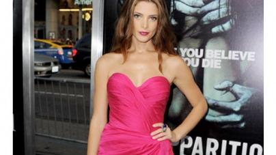 Ashley Greene glamorous in pink